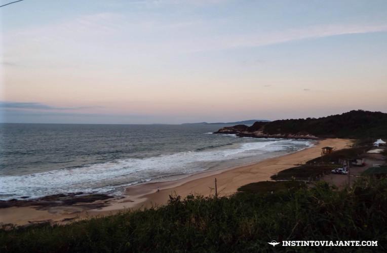 Praia do Pinho, em Balneário Camboriú, Santa Catarina - a primeira dentre as praias de naturismo oficiais brasileiras.