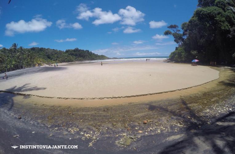 Entrada da praia da Engenhoca - no local há um riozinho muito aconchegante se você visita com filhos (as).