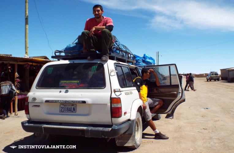 Os passeiospelo Salar de Uyuni mais comuns são feitos em veículos 4X4. Hátours de 1, 2, 3 e 4 dias.