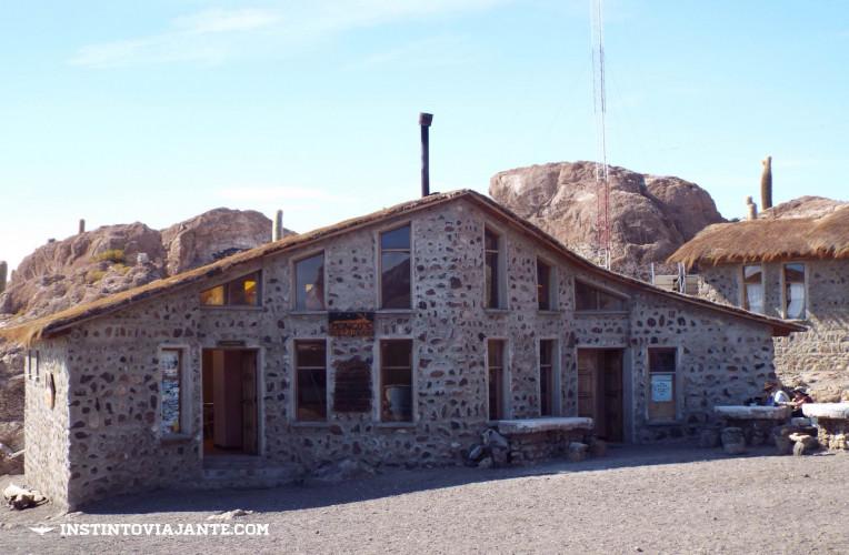 Bar / Lanchonete na Isla Incahuasi, Deserto de Uyuni, Bolívia | Dia 1 no Deserto de Sal