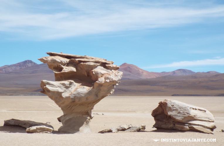 Arbol de Piedra (árvore de pedra), em Uyuni, Bolívia | Dia 2 no Deserto de Sal.