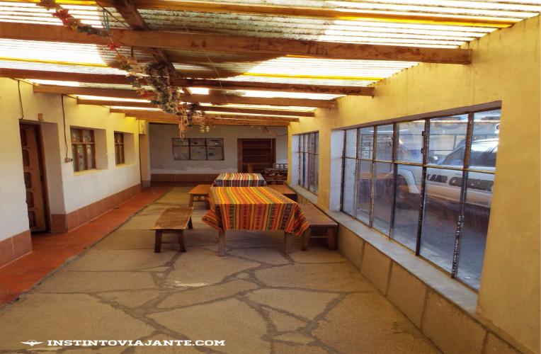 Hospedagem na Laguna Colorada, em Uyuni | Dia 2 no Deserto de Sal