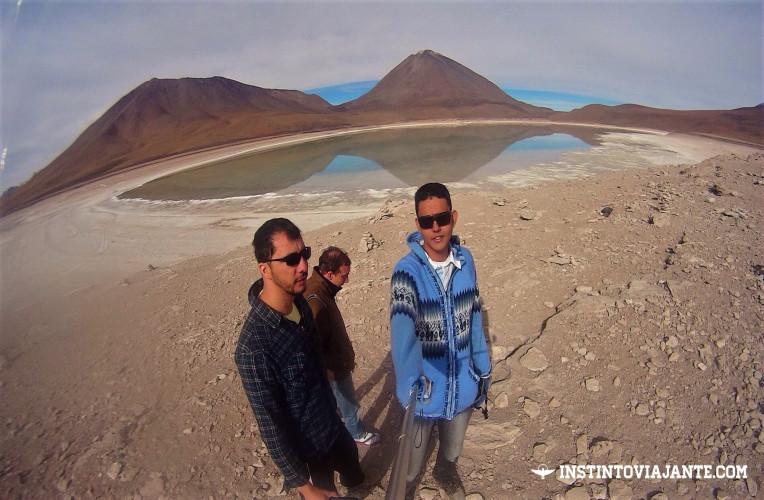 laguna verde volcán licancabur uyuni bolivia mochilao