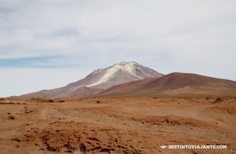 Mirador del Volcán Ollague / Mirante do vulcão Ollague | Dia 2 no Deserto de Sal