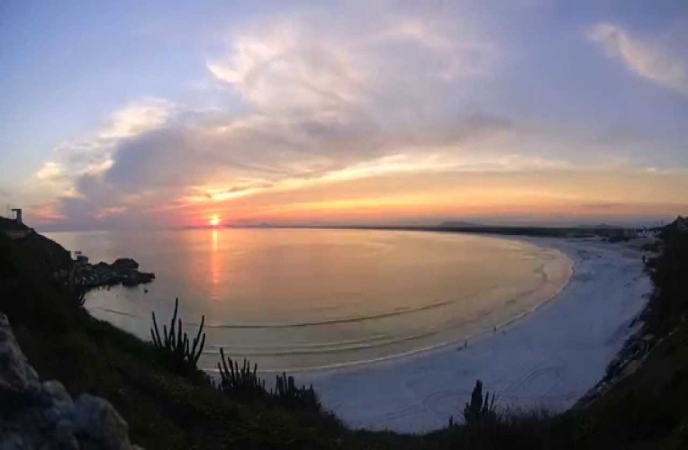 Pôr do sol do Morro do Vigia, na praia Grande, Arraial do Cabo-RJ