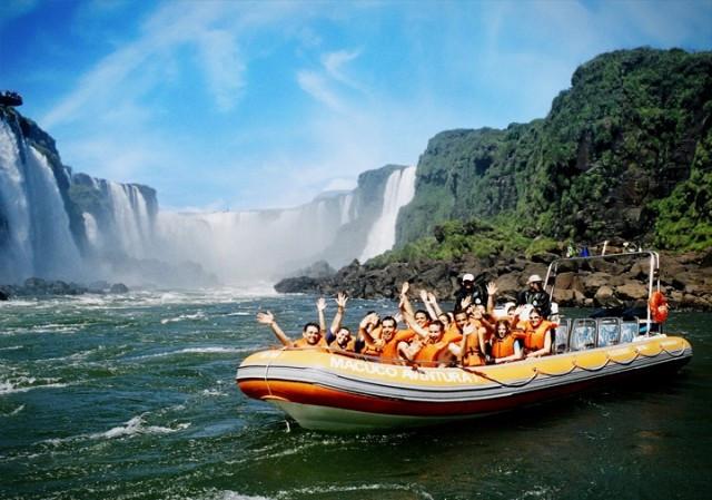 passeio de barco cataratas do iguacu macuco safari