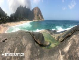 praia de itacoatiara rj niteroi