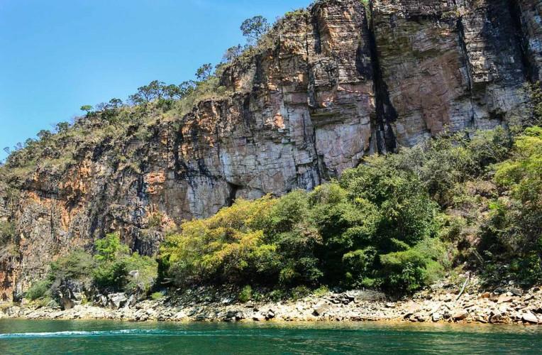 melhores lugares para escalar em Minas Gerais instinto viajante lago furnas