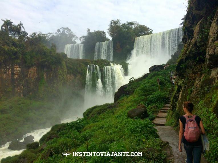 As Cataratas argentinas propiciam um pouco mais de contato harmônico com a natureza, mais simples e rústico.