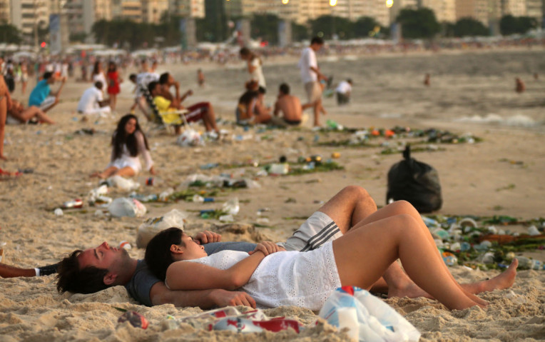 Dormir na areia