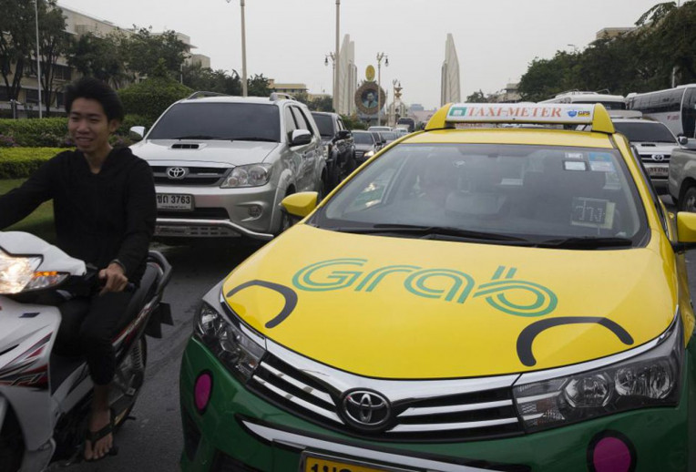 Turismo na Tailandia - Carro Grabapp de transporte