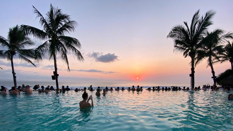 O que fazer em Bali - Indonesia - Beach Club - Seminyak Beach - Bali