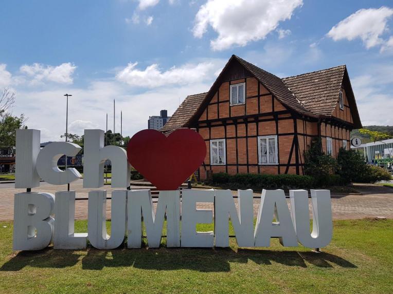Melhores Lugares para Viajar no Brasil no Inverno - Blumenau-SC