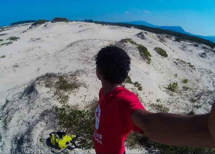 Dunas do Araçá, uma das duas únicas dunas ainda intocadas do Estado de São Paulo, em Ilha Comprida