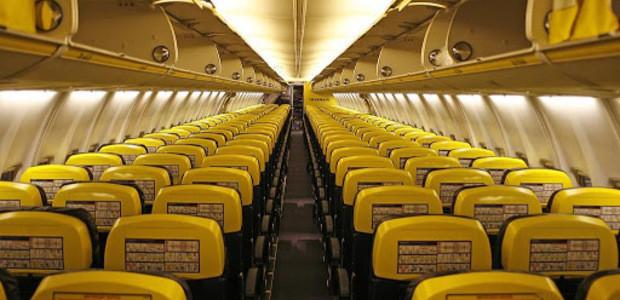 aviao de companhia low cost