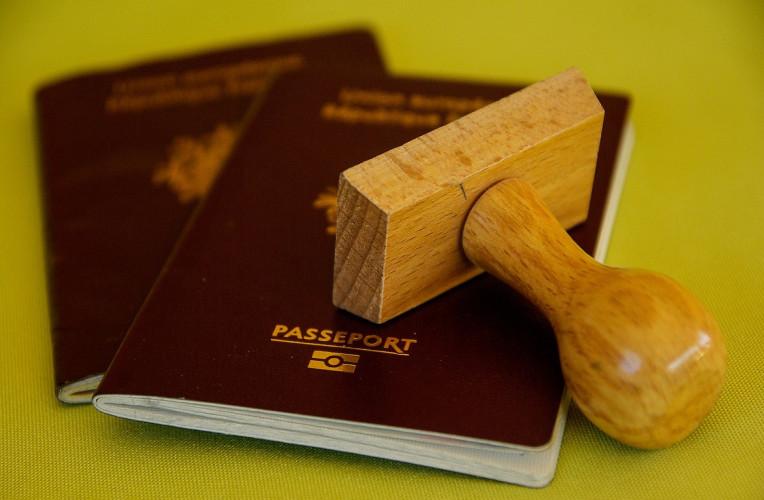 Passaporte e carimbo