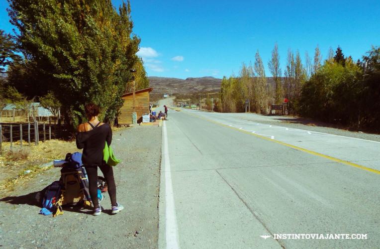 Tentando carona em Cerro Castillo