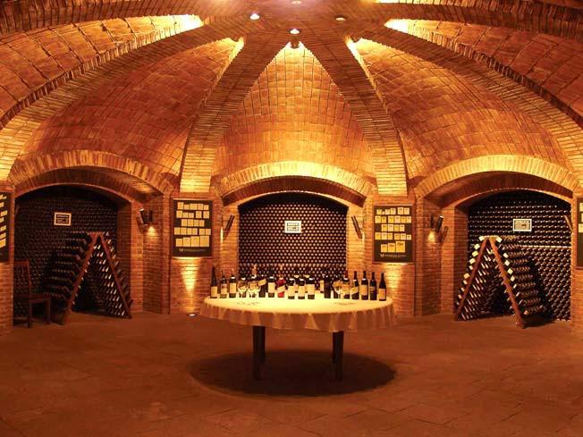 Sala de degustação da Bodega Lopez, em Mendoza, Argentina. Foto: bodegaslopez.com.ar