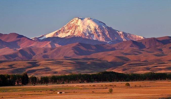 Vulcão Tupungato, no Parque Provincial Tupungato